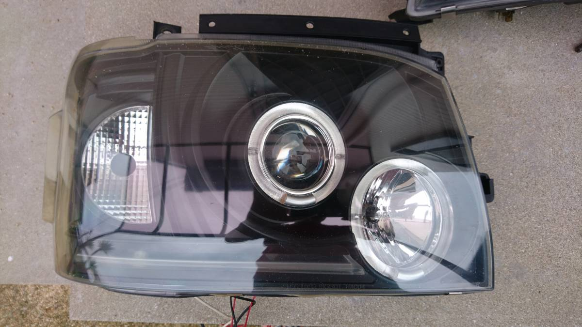 SONAR製プロジェクターヘッドライトインナーブラック★200系ハイエース2010年式左右セット_画像2
