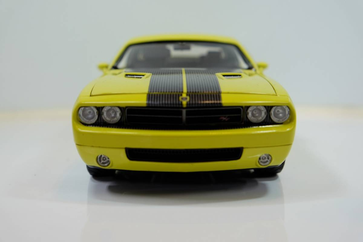 HIGHWAY 61 COLLECTIBLES 1/18 DODGE CHALLENGER CONCEPT CAR 50627 希少 1/18 ダッジチャレンジャー コンセプトカー_画像2