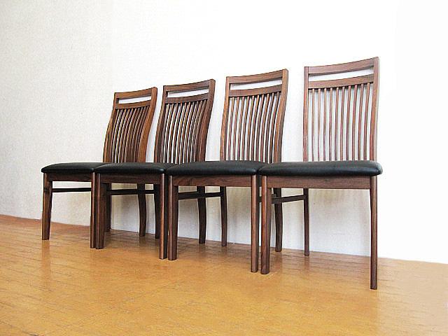 未使用品 九州大川家具 ウォールナット材ダイニングチェア 4脚セット  椅子/チェア_画像2