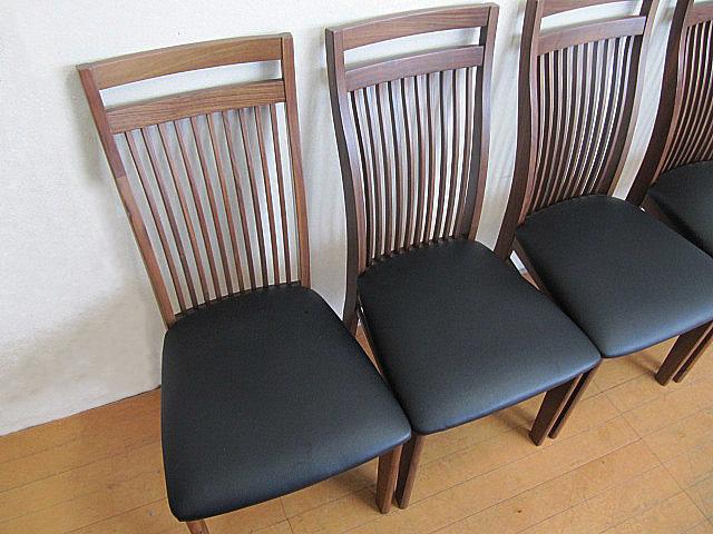 未使用品 九州大川家具 ウォールナット材ダイニングチェア 4脚セット  椅子/チェア_画像3