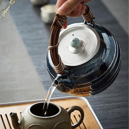 【煎茶道具】純銀口打出し銀瓶急須湯沸かし薬缶やかん100%ハンドメイドシルバー銀製伝統茶文化金属工芸品証付★幅14.0cm重さ675g証付Y87_画像4