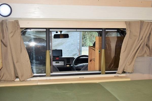 Rスライド窓との接合部(出入り可能)