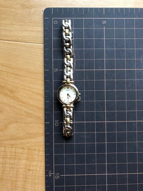 KK717 良好程度 ヴィンテージ レア SEIKO/セイコー TISSE ティセ コンビ オフホワイト系文字盤 1F20-0K30 クオーツ レディース 腕時計_画像2