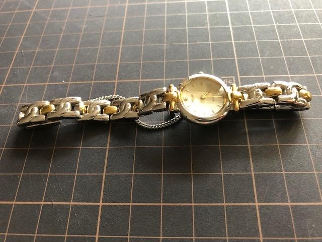 KK717 良好程度 ヴィンテージ レア SEIKO/セイコー TISSE ティセ コンビ オフホワイト系文字盤 1F20-0K30 クオーツ レディース 腕時計_画像5