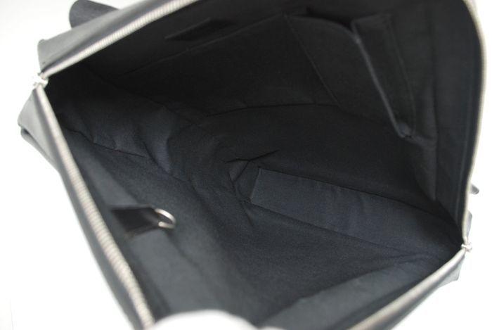 【極美品】ルイヴィトン Louis Vuitton タイガ ベルーガ ショルダーバッグ 黒 アルドワーズ メンズ ヴィトン バッグ 本物 美品 定価約16万_画像9