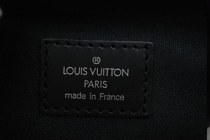 【極美品】ルイヴィトン Louis Vuitton タイガ ベルーガ ショルダーバッグ 黒 アルドワーズ メンズ ヴィトン バッグ 本物 美品 定価約16万_画像10