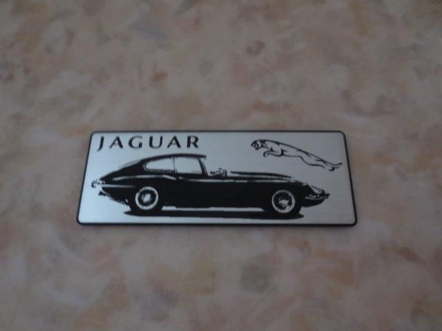 英国製ジャガーEタイプマグネット・新品&未使用品・JAGUAR XKE・ルマン・007・XJ・XJS・XK・XF・IPACE_光を受けて表面が輝きます