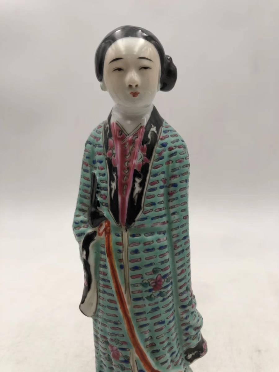【1907C180123XXN】中国古董品 民国 時代唐物 粉彩『仕女』彫像一対 置物 中国古美術 唐物古玩_画像2