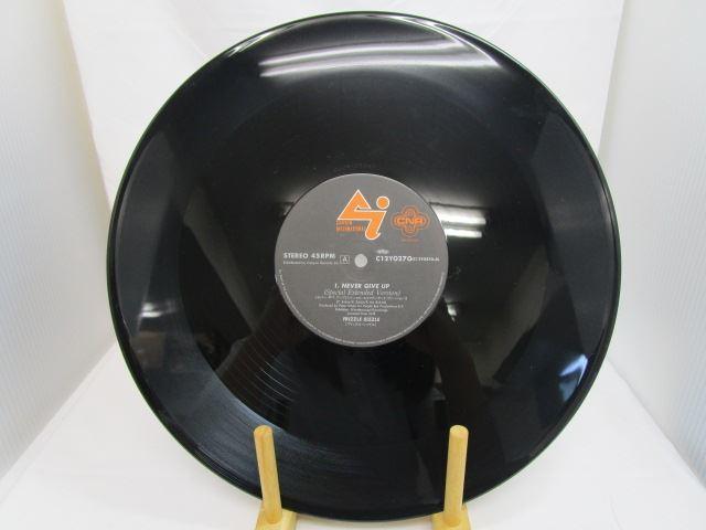 [190618177] ネバー・ギブ・アップ 歌:フリッズル・シッズル キャニオンレコード C12Y0270 12インチ・シングル LPレコード 【中古】 _画像2