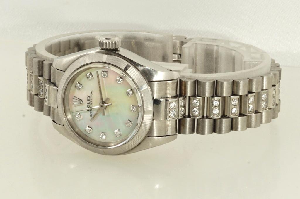 ロレックス ROLEX OYSTER PERPETUAL ホワイトシェル 自動巻き式腕時計 オーバーホール済 動作良し レディース_画像4