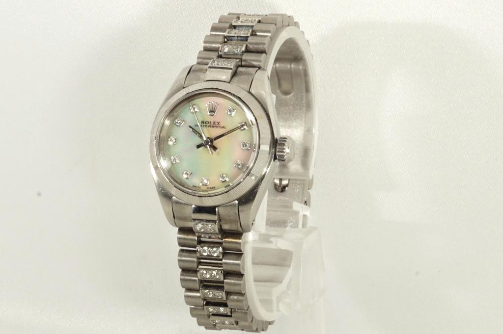 ロレックス ROLEX OYSTER PERPETUAL ホワイトシェル 自動巻き式腕時計 オーバーホール済 動作良し レディース_画像6