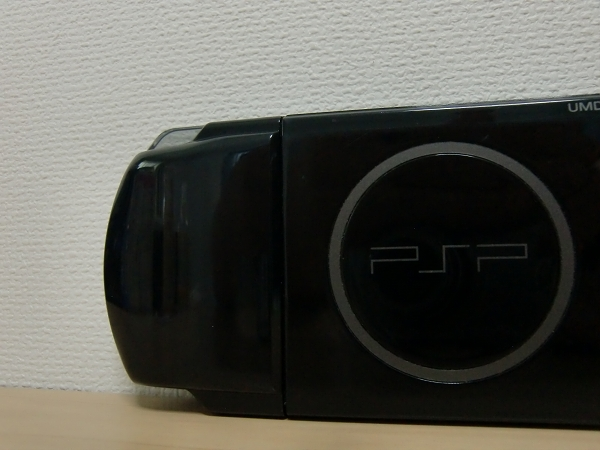 SONY PSP-3000 ピアノ・ブラック(グランツーリスモ仕様) 完動品 大容量バッテリーカバー付き 付属品有り クリックポスト可(Y)_画像4