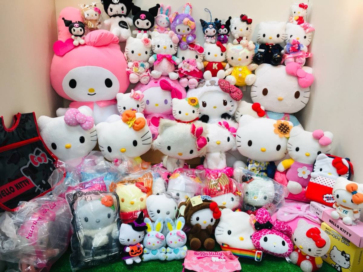 ▽ ⑱ ハローキティー☆ ぬいぐるみ まとめて キャラクター サンリオ マイメロディー クロミ キティー 大量 食器 バッグ クッション グッズ