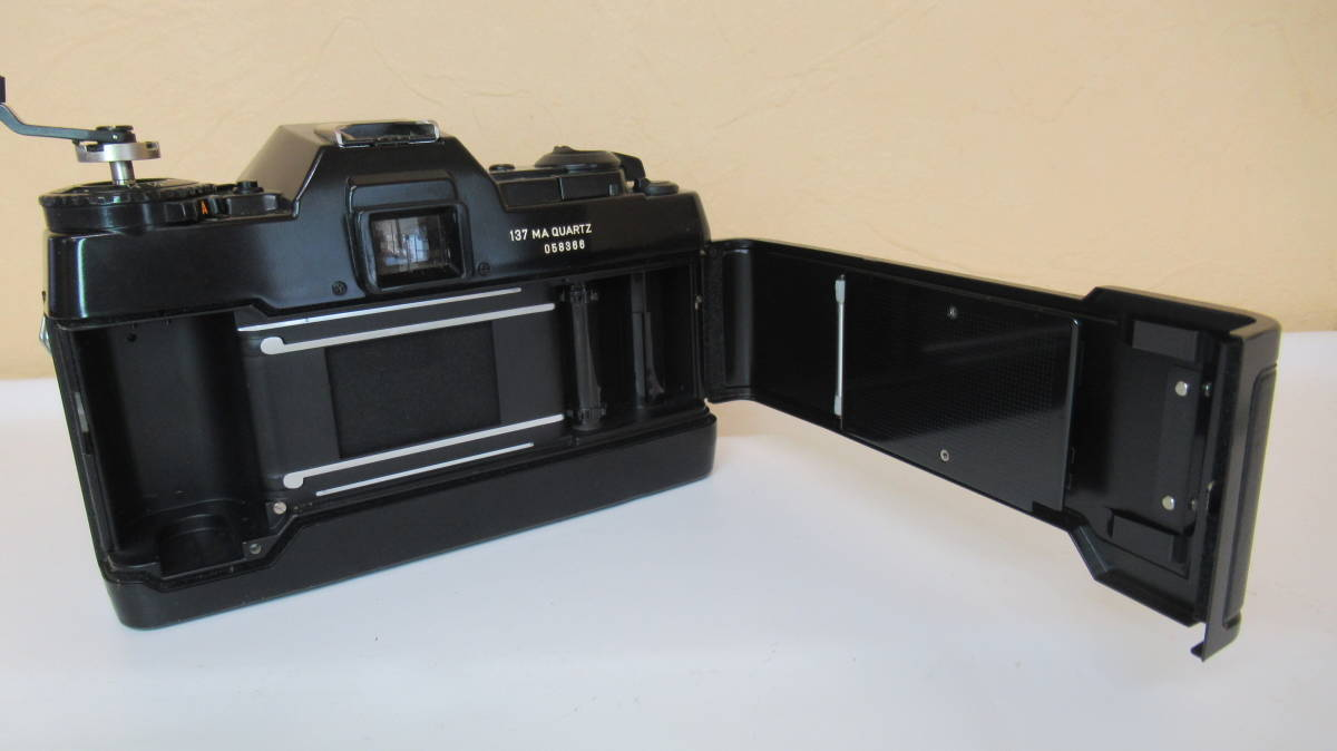 ☆A-13 CONTAX コンタックス 一眼レフカメラ 137 ボディ 28mm ジャンク品_画像5