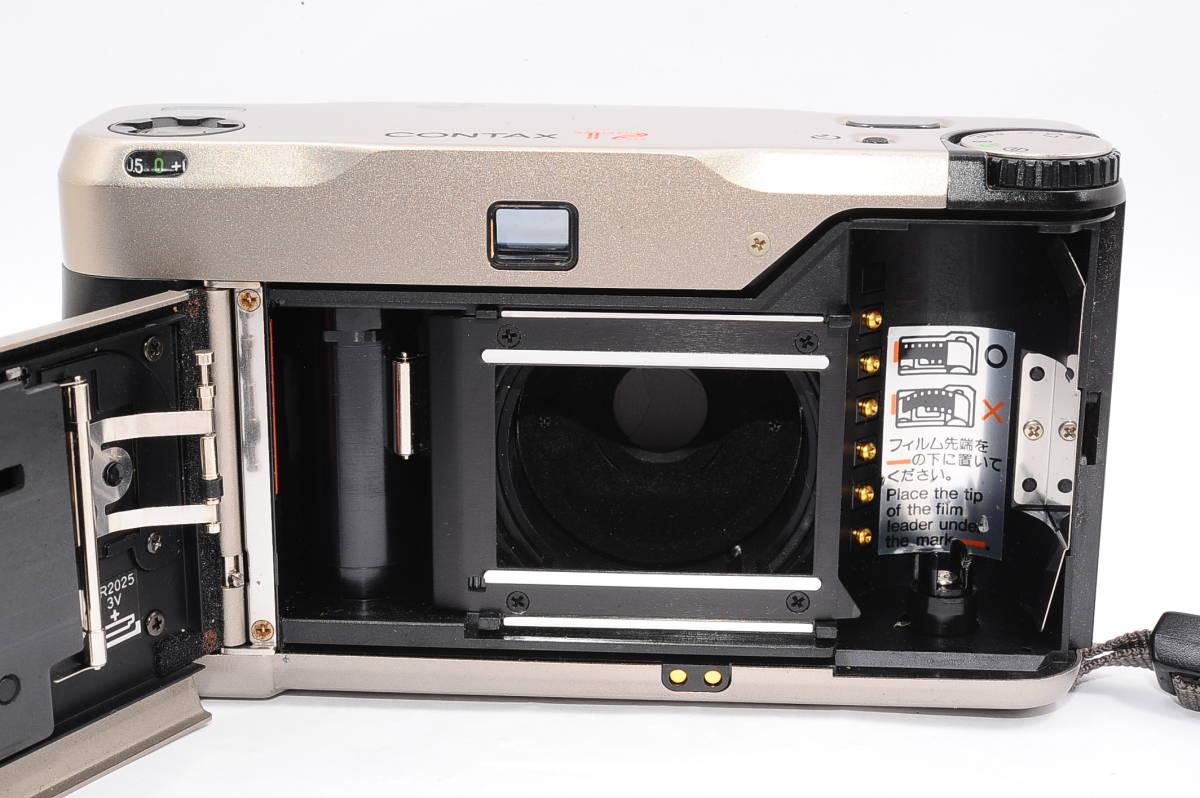コンタックス CONTAX T2 ゾナー 38mm F2.8 T* データバック(DATA BACK) コンパクトフィルムカメラ + 専用ストラップ付き [102885]_画像3