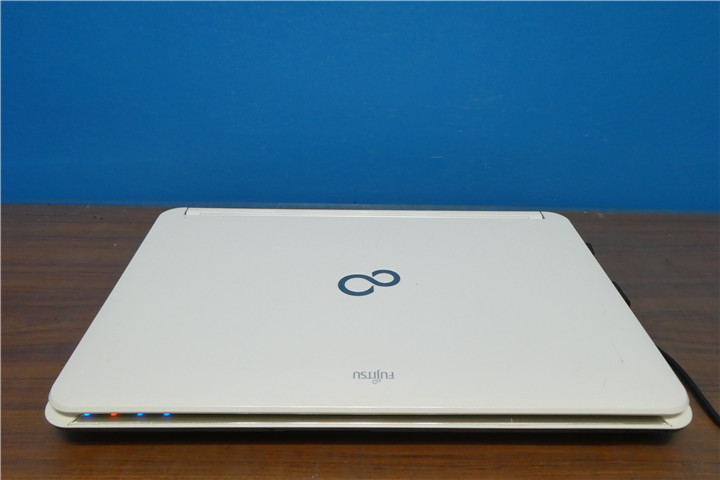 Lifebook AH56/C Corei5 2520M 2.50GHz 4GB 500GB ブルーレイ HDMI Webカメラ 無線 Windows10 Office2007 美品_画像3