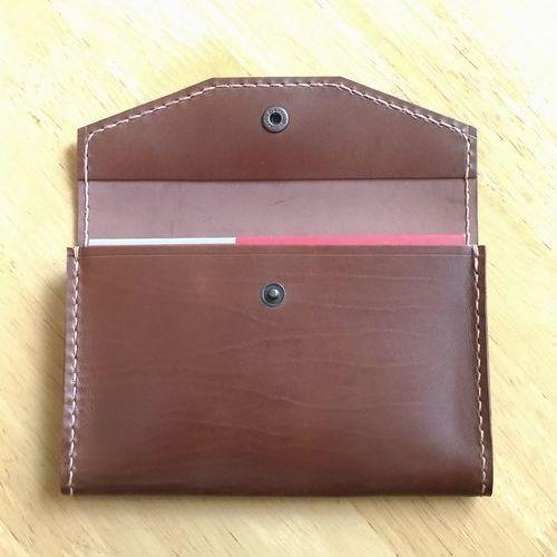 ●櫻●通帳入れ☆手づくり☆革製♪TK511(色=ダークブラウン):本革製の通帳ケースは5冊収納であおりのあるタイプです
