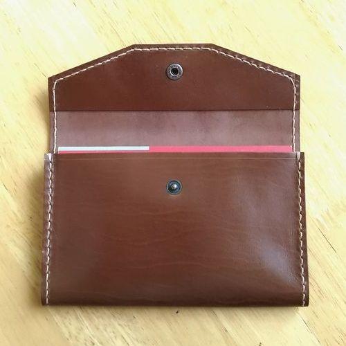 ●櫻●通帳入れ☆手づくり☆革製♪TK512(色=ダークブラウン):本革製の通帳ケースは5冊収納であおりのあるタイプです