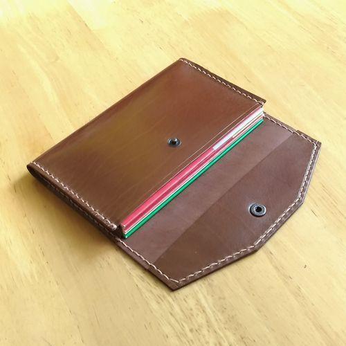 ●櫻●通帳入れ☆手づくり☆革製♪TK513(色=ダークブラウン):本革製の通帳ケースは5冊収納であおりのあるタイプです