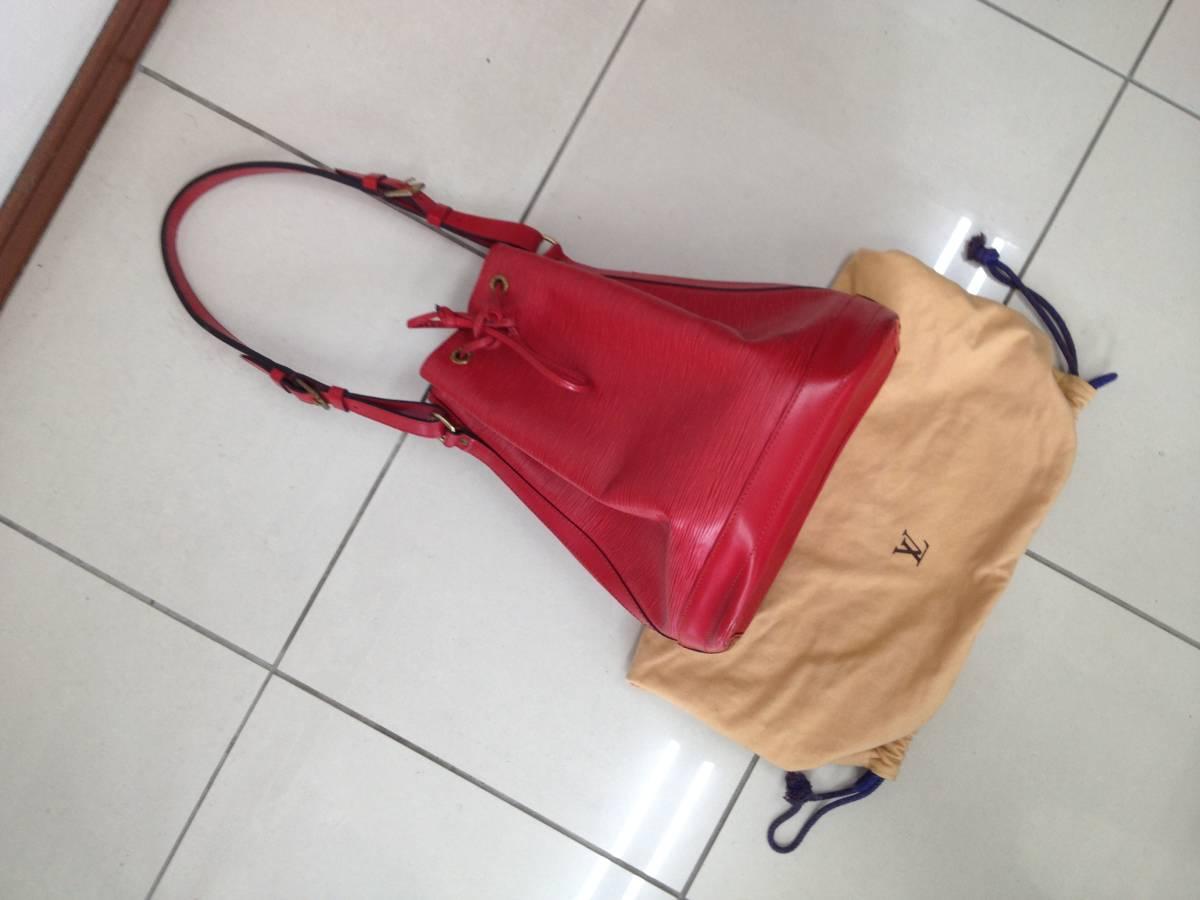 ●ヴィトン エピ ノエ ショルダーバッグ 赤 M44007●VUITTON 鞄 美品