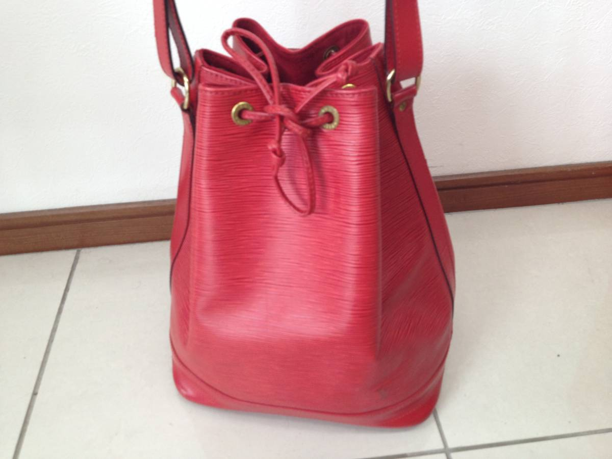 ●ヴィトン エピ ノエ ショルダーバッグ 赤 M44007●VUITTON 鞄 美品_画像2