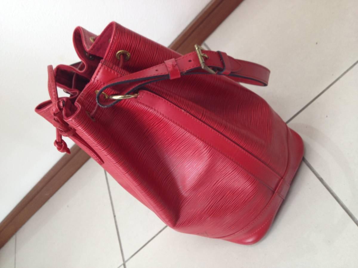 ●ヴィトン エピ ノエ ショルダーバッグ 赤 M44007●VUITTON 鞄 美品_画像5