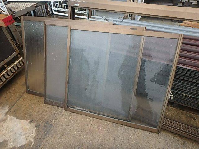 070907アルミサッシ引き違い腰窓 網戸付明り取り換気通風窓 西2_画像2