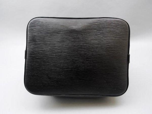■【使用わずか】ルイヴィトン Louis Vuitton エピ プチノエ 極美品 ショルダーバッグ ノワール 定価約13万_画像6