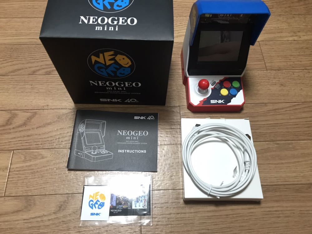 SNK NEOGEOmini/ネオジオミニ 本体+PAD(コントローラー)×2+HDMIケーブル フルセット 中古美品_画像2