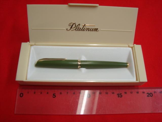 レトロな色合い PLATINUM ★プラチナ万年筆 18K 細軟 ケース付き
