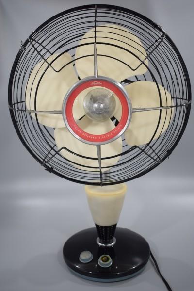 動確 東京芝浦電気 東芝 ライト付き 扇風機 夕顔 昭和30年代 TOSHIBA レトロ アンティーク ビンテージ ランプ 照明 K-82_画像4
