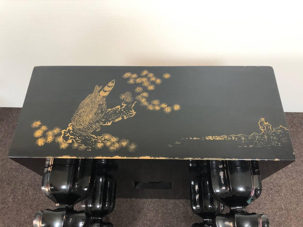 【中古】碁盤 黒漆塗り 金蒔絵 松鷹図 60号(厚さ18cm)_画像3