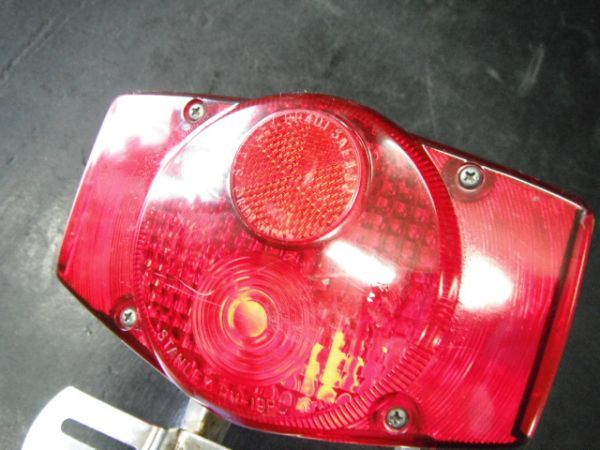 ホンダ CB750FOUR  テールランプ 実動品(昭和名車絶版 K2 k4 K6 フォア 国内 返品可能 実動走行車両より_画像8