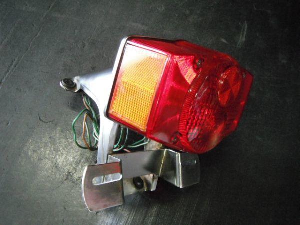 ホンダ CB750FOUR  テールランプ 実動品(昭和名車絶版 K2 k4 K6 フォア 国内 返品可能 実動走行車両より_画像2