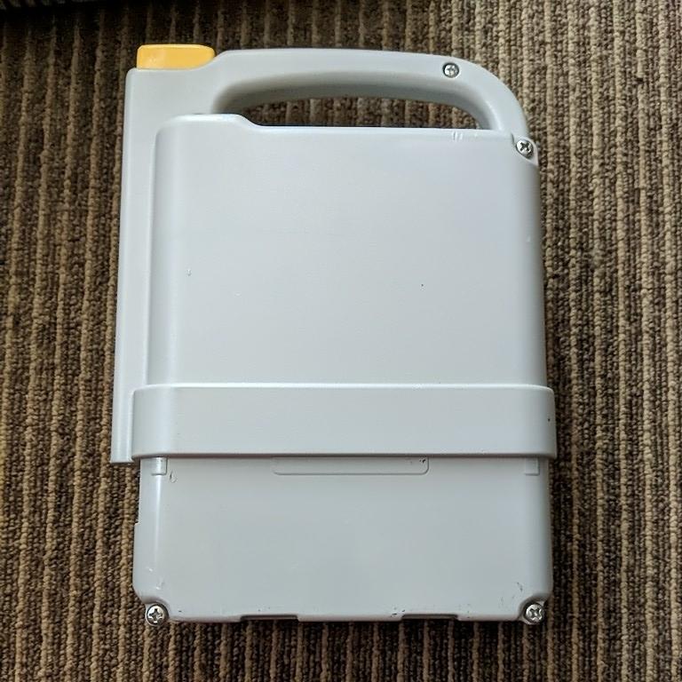 YAMAHA Ni-MHバッテリー&充電器(コードなし)出品時全点灯 動作未確認の為ジャンク_画像4