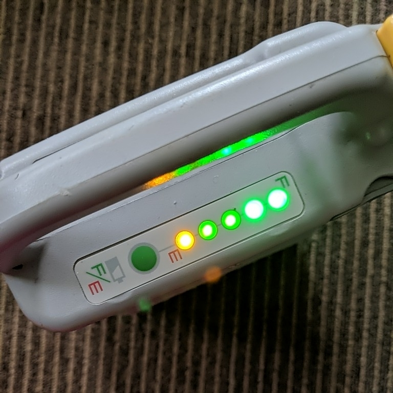 YAMAHA Ni-MHバッテリー&充電器(コードなし)出品時全点灯 動作未確認の為ジャンク_画像2