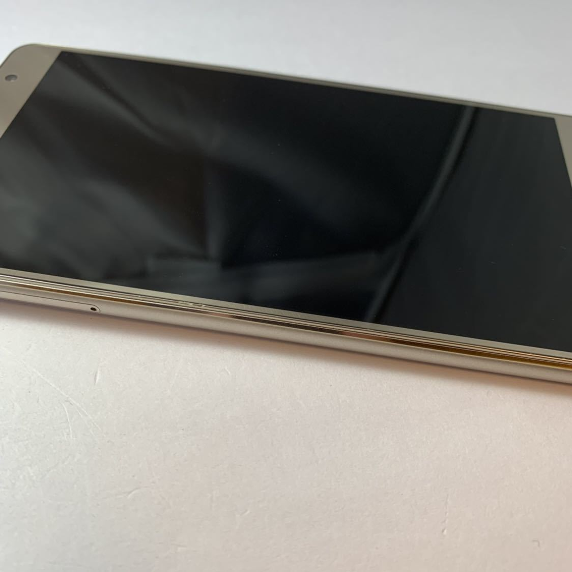 ASUS Zenfone 3 Deluxe 5.5 ZS550KL 64GB SIMフリー 本体 Z01FD ゴールド 海外版_画像6