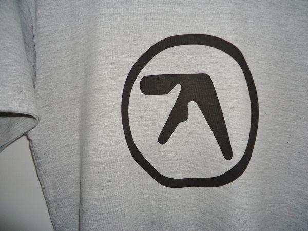 【送料無料】Aphex Twin 杢グレー ロング丈 Tシャツ【新品未使用】Unitedathle 5.6オンス エイフェックス・ツイン ロゴ Mサイズ テクノ 灰_画像3