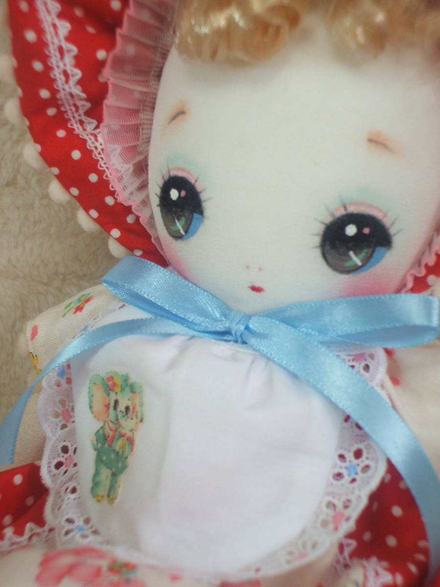 「一年さくら組」文化人形…赤色のボンネットの可愛い子36㎝・昭和レトロ・正絹古布・ハンドメイド・ぬいぐるみ_画像4