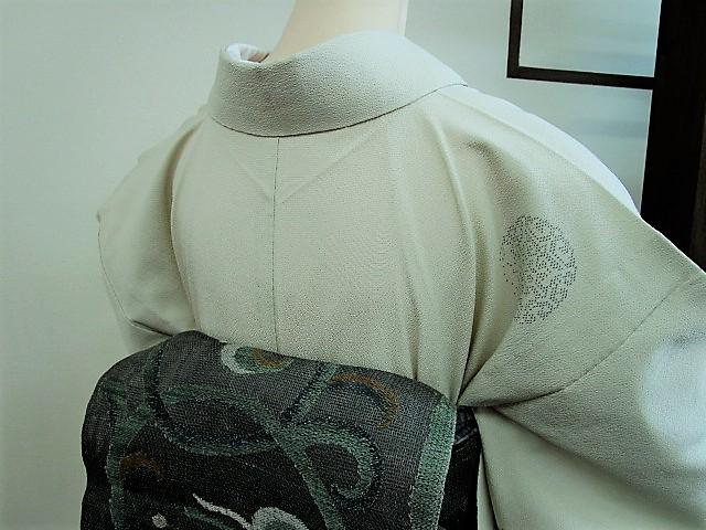 ★つばめ★ 単衣~お召し着物・丸い柄・淡いカーキグリーン~正絹紬_画像9