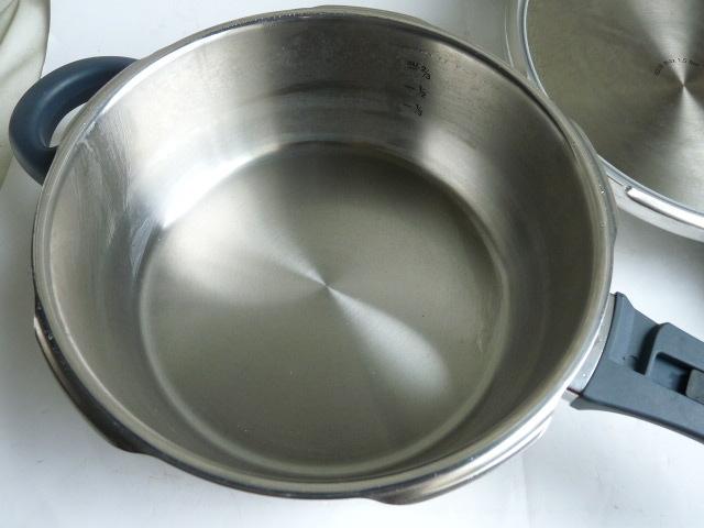良品◆WMF ヴェーエムエフ ドイツ製 パーフェクトプラス Perfect plus 圧力鍋 _画像5