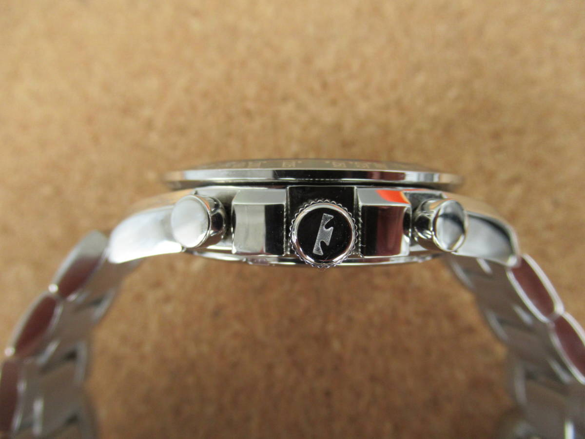 テクノス クロノグラフ T4146 電池交換&ブレス洗浄済み 使用感少な目な美品 取扱い説明書付き 激安 !!_使用感少な目で綺麗です