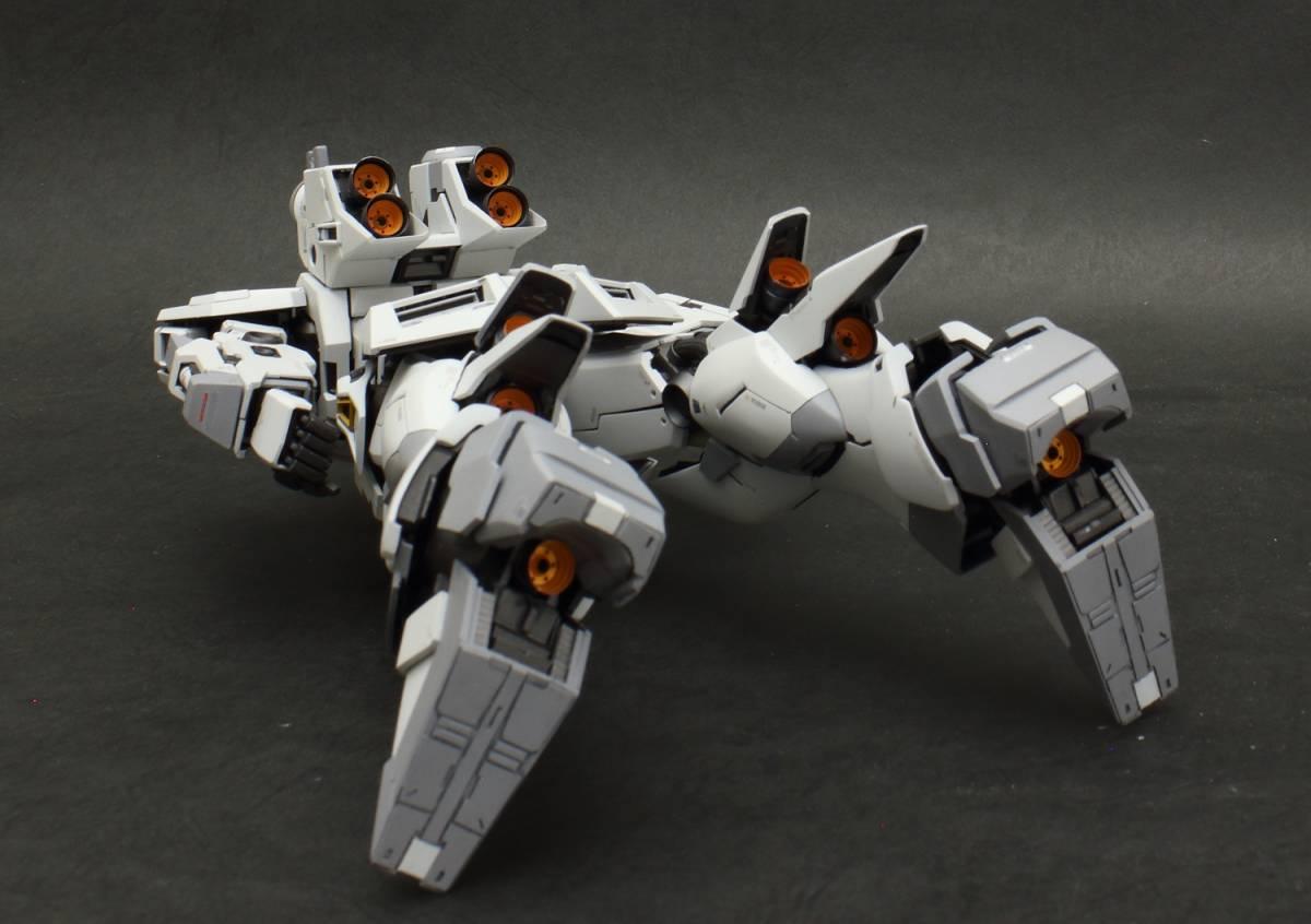 MG 1/100 νガンダム  ver.ka 徹底改修塗装完成品 マスターアーカイブ版ロールアウトカラー RX-93 ニューガンダム_画像8