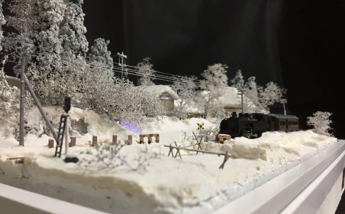 全自動車両往復走行展示台 ジオラマ 深雪 農家 液晶表示 リモコン操作 アクリルケース_画像5