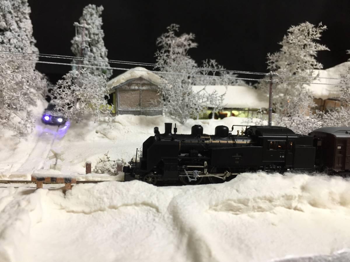 全自動車両往復走行展示台 ジオラマ 深雪 農家 液晶表示 リモコン操作 アクリルケース_画像4
