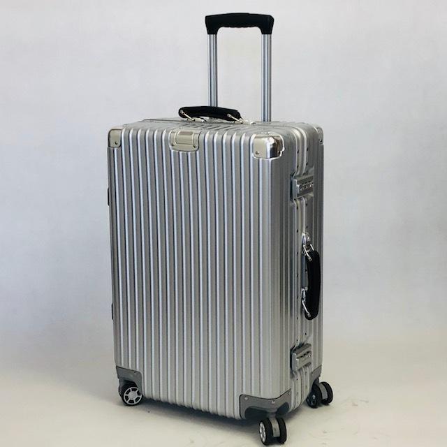 送料無料●1回使用●中古スーツケース大型67L●4輪キャリー●TSAロック●シルバー