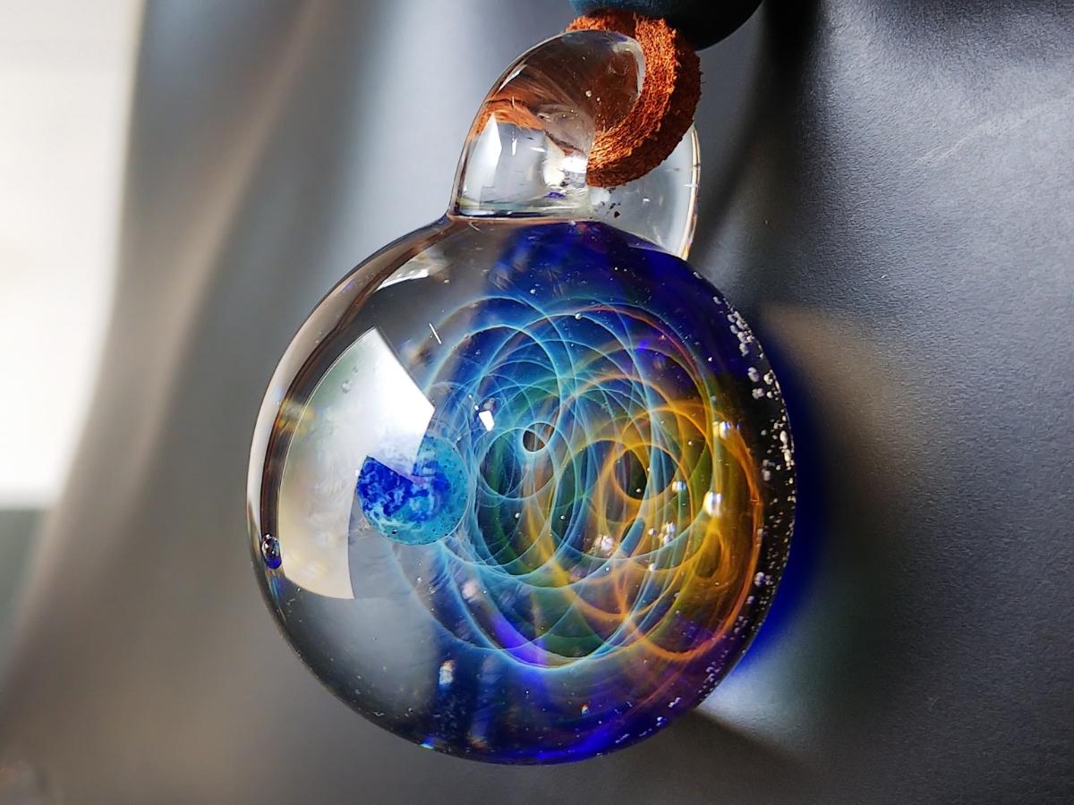 y-322 ☆≪ オミグラ! ≫ 宇宙 ガラス 地球 「 エターナルオービット 」アクセサリー ペンダント ネックレス ☆_画像9