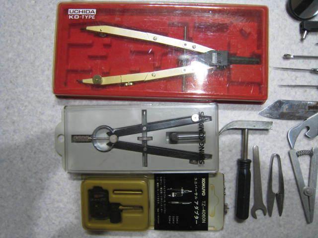 C67精密工具セット★ウチダコンパス、ピンセット、ミニハンマー、ヘラ、ドライバーなどまとめて_画像5