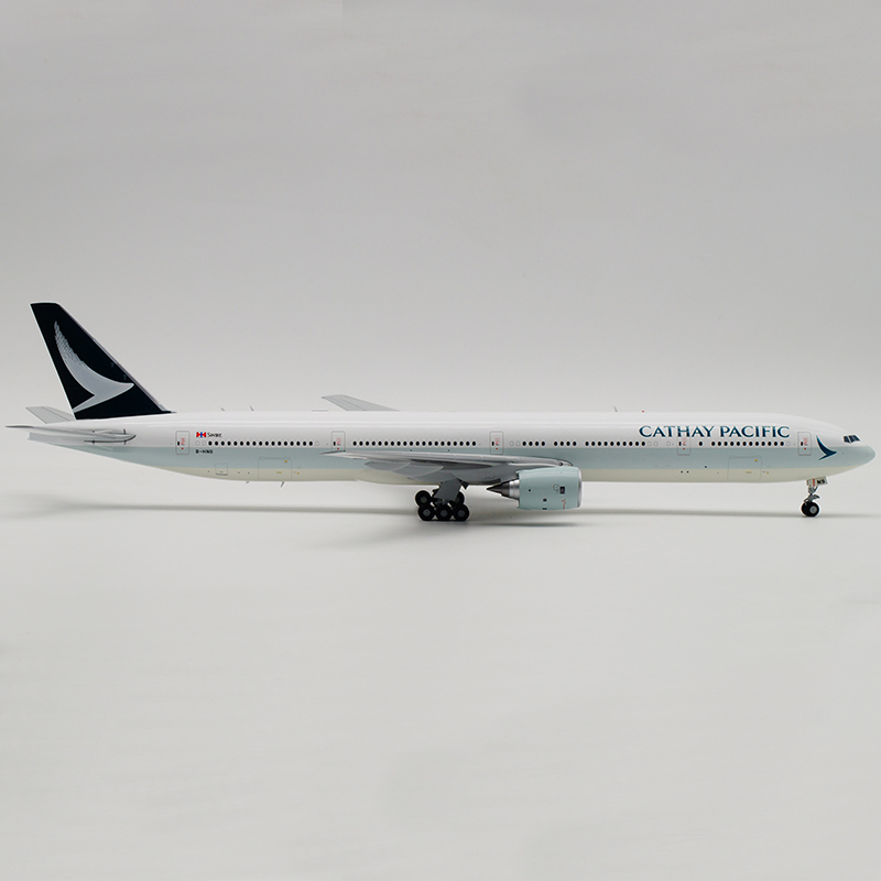 JC Wings 1:200 キャセイパシフィック航空 B777-300 B-HNS EW2773003 Cathay Pacific Airlines_画像4