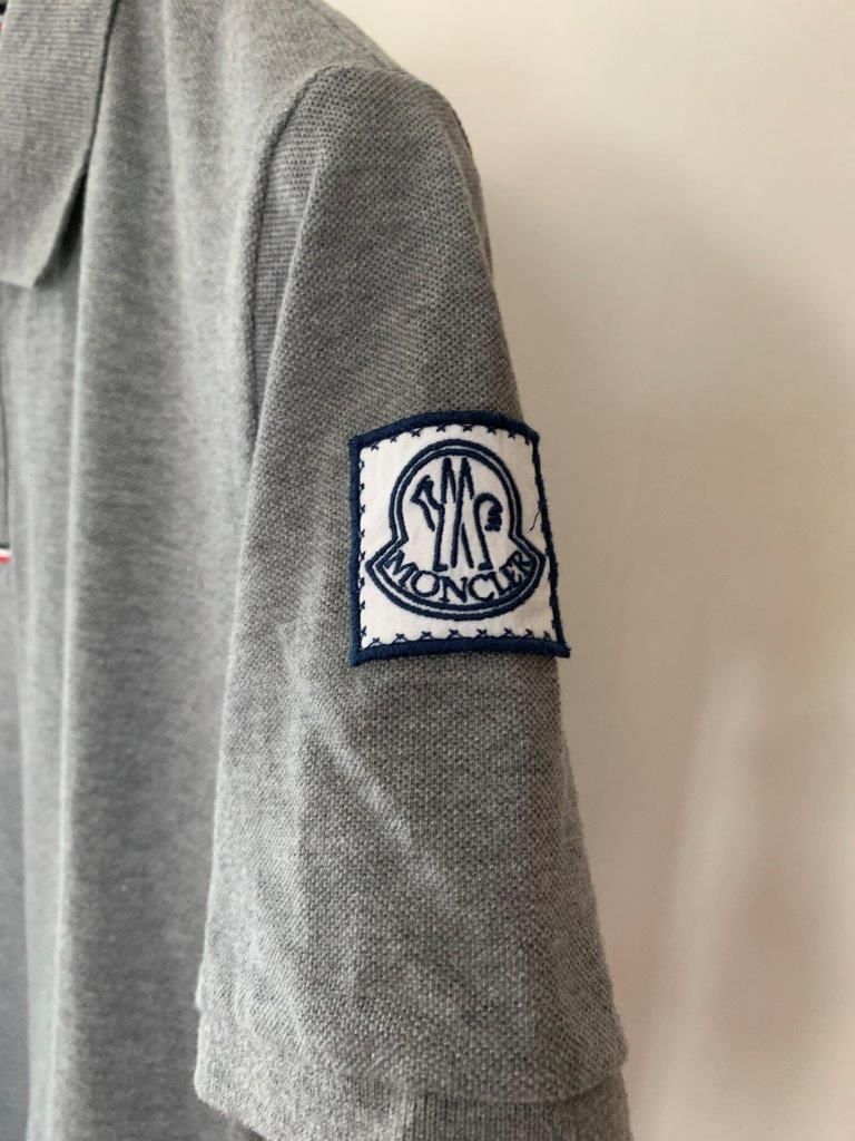 ポロシャツ の頂点 モンクレール ガムブルー by トムブラウン 全開 グレー×トリコロール 100%正規美品 定価8万円 サイズS Tシャツ_画像4
